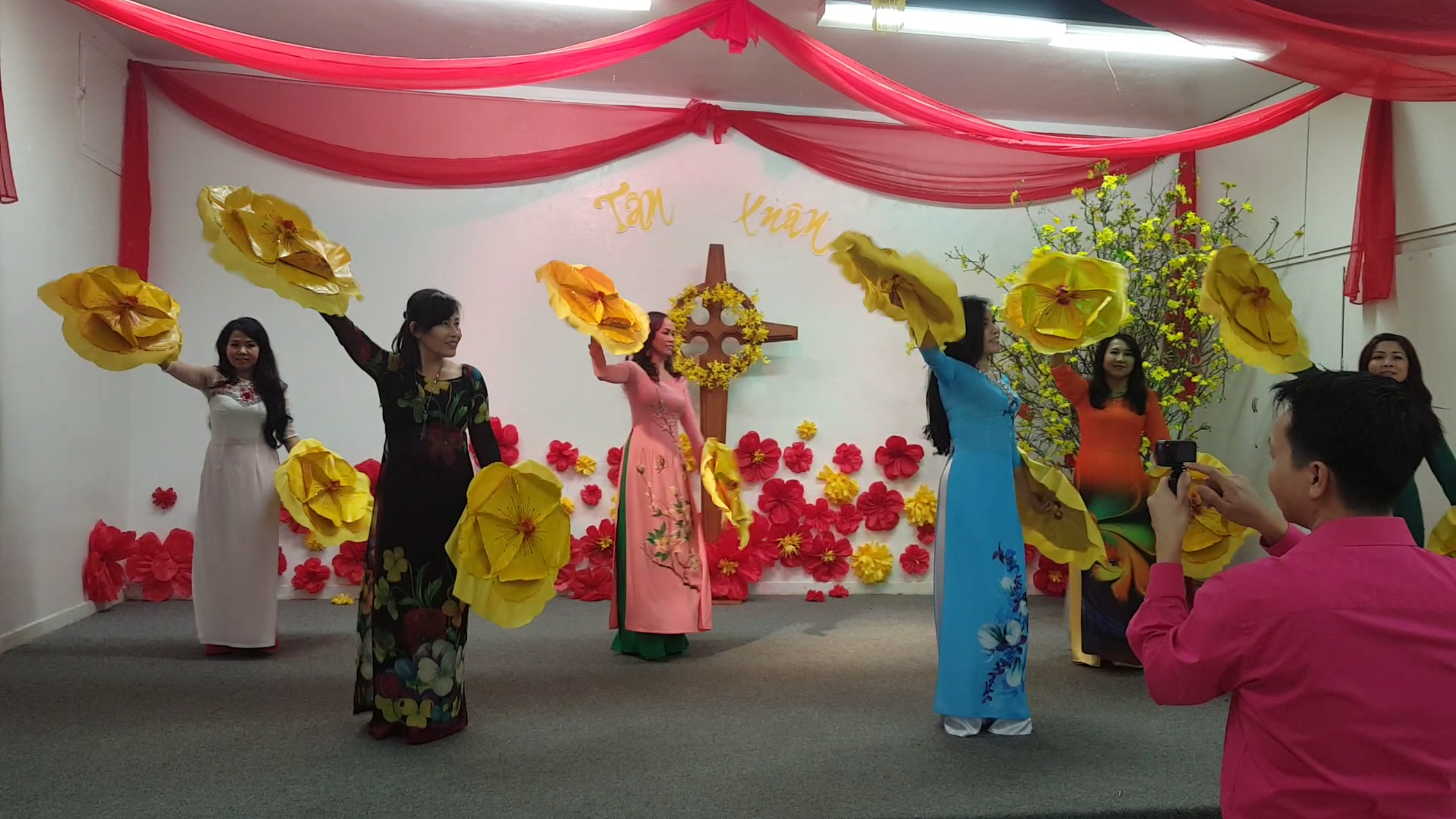 women group's dance